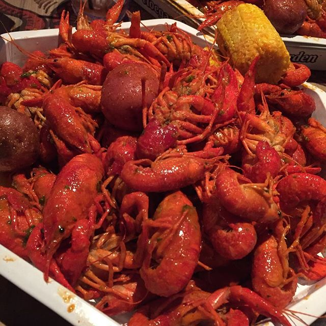 Crawfish boil at Diablo Loco, Richmond. Read tonight's blog for the verdict...#redspilgrimage - 2016-02-24 17:46:39