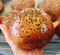First test 'BEERger' buns for The Almighty, fresh out of the oven. Oosh!