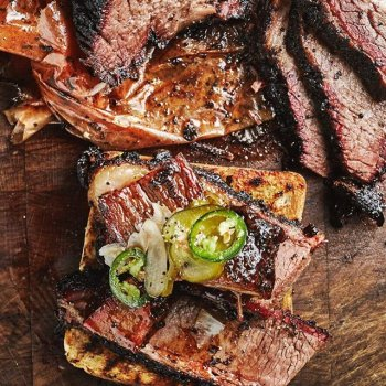 Fancy some of the 4th-best-in-the-world barbecue delivered to your door whilst you watch the footie? We're on Deliveroo 🙌🏻 And here's an inside secret, because we want you to find the best deal possible… Groupon are currently offering new customers £5 to spend for only £1 and existing customers can get a free £2.50 spend. What are you waiting for? The link to the offer is in our Instagram Stories 👀