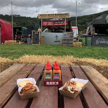 If you're at @peakender this weekend, come see us! We've got a delicious menu (breakfast, too!) and tonnes of sauce, rubs and meal kits to give away with your orders 🙏🏻