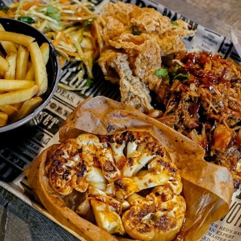 Attention vegans! Piers Morgan may not love you, but we do. Come in and try our Meat Free Tray… Pulled BBQ Jackfruit, lime and coriander cauliflower steak, fries and tofu crunch.  Greggs aren't the only ones offering epic vegan alternatives. Do #Veganuary the Red's way.