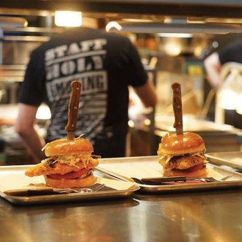 Dirty Chicken Burgers for two, anyone? The real way to someone's heart is through their stomach. And, if all else fails, our cocktails are 2-4-1… 🍔 ❤️